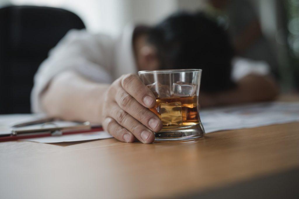 алкоголизм - причины и следствие